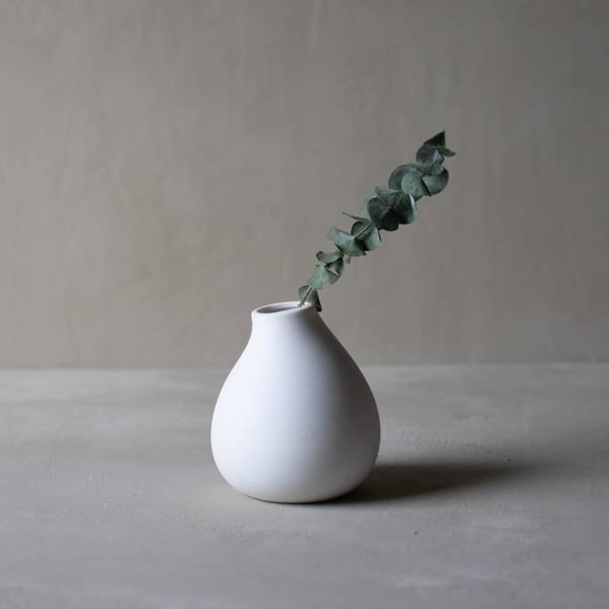 Bilde av Källa Liten vit hög keramikvas